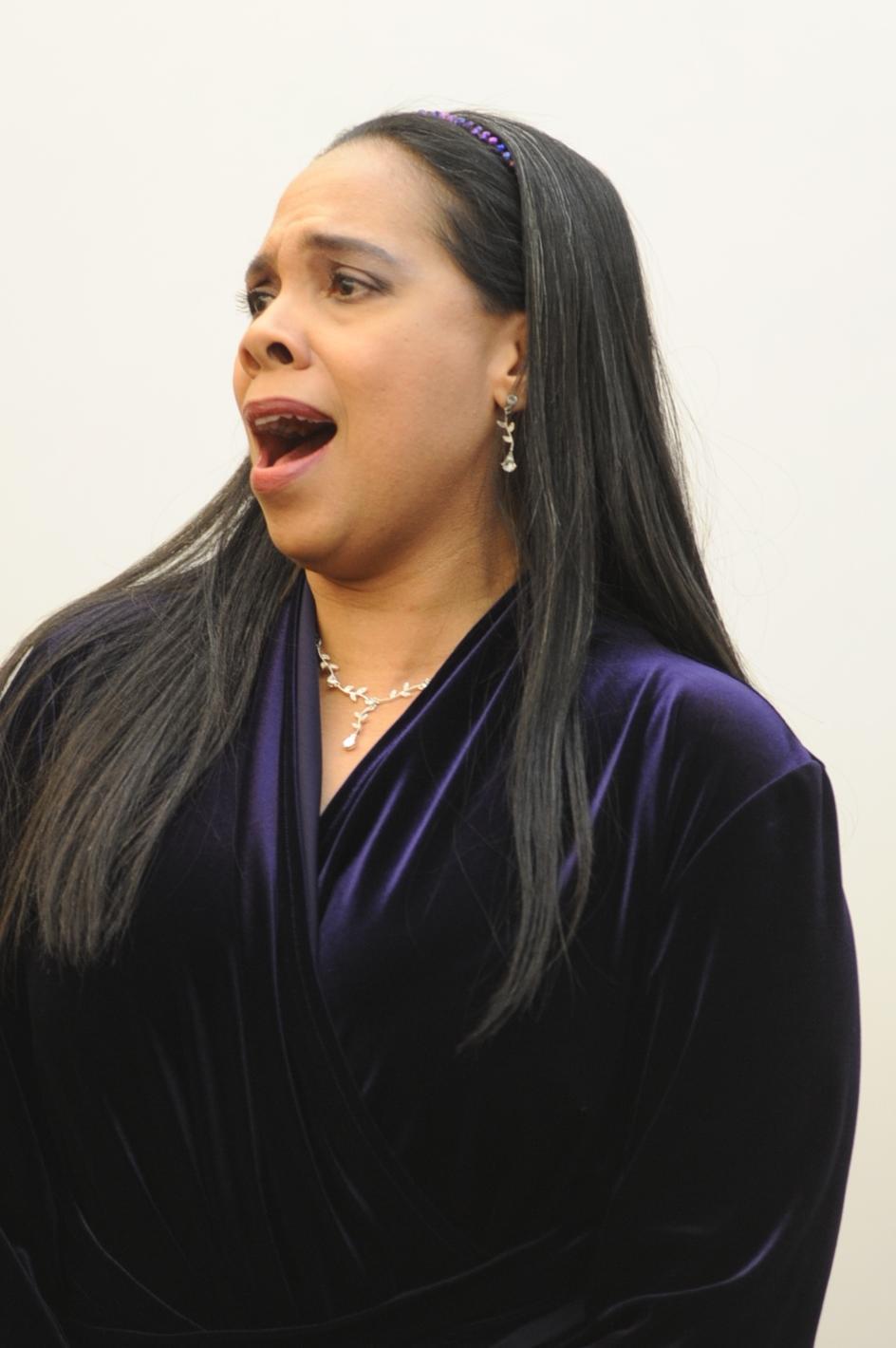 Iris Fairfax performs at the Elkins Park Library. Staff photo/Scott Roman