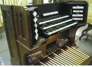 Organ Console (2)