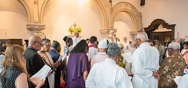 BishopsVisitSsAM_1606_9875_600px