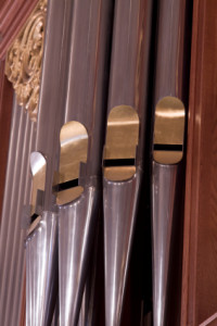 Music-For-Your-Wedding-Organ-Music-Is-Still-King